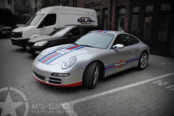 PORSCHE 911 RALLYESTREIFEN IM MARTINI DESIGN | Nato-Oliv.com