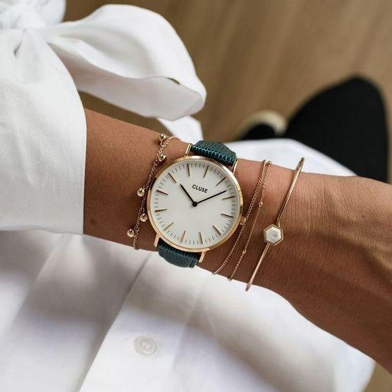 horloge met fijne armbanden