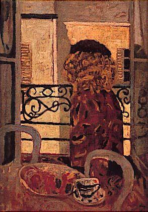 clave. mujer en la ventana