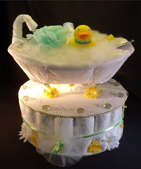 diaper duck baby shower cakes yellow ducky baby shower gift bathtub diaper cake diaper cakes. Black Bedroom Furniture Sets. Home Design Ideas