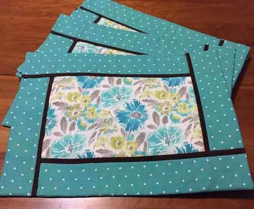 Diy Inside Out Placemats Needlepointers Com Quilted Placemat Patterns Placemats Patterns Diy Placemats Fabric