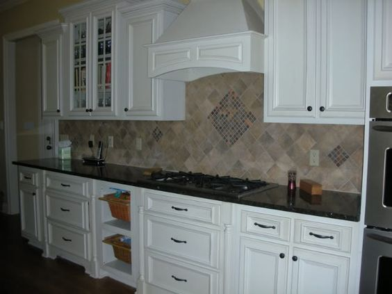 Backsplash Option For Uba Tuba Granite House Projects Pinterest Home Off White Cabinets