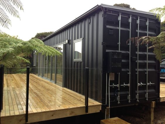 Container 2 story with a deck for Autoconstruction maison container