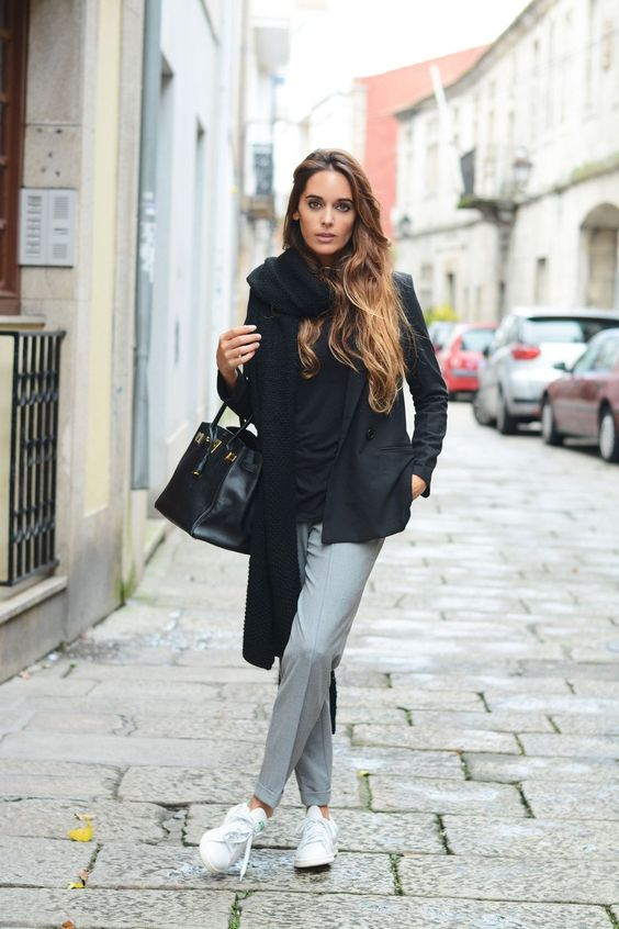 Sneaker chic - Adidas Stan Smith, grey pants, black blazer: