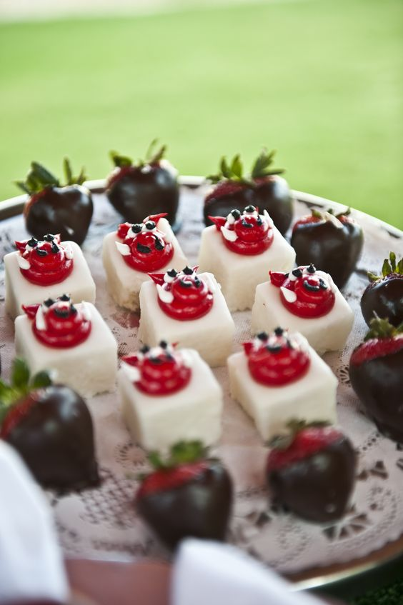 Satisfy your sweet tooth with these fun Razorback treats.