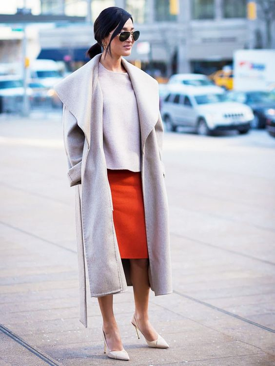 Incorporate+a+pop+of+color+in+your+next+neutral+outfit..jpg (700×933)
