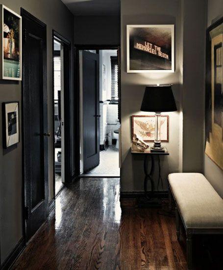 Las paredes en gris marengo puertas negras y suelo en for Decoracion piso oscuro