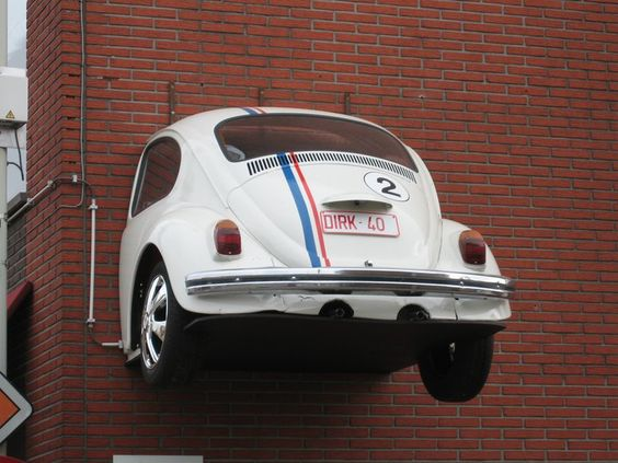 where is this vw beetle mounted?:
