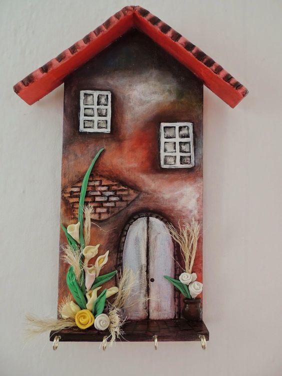 Artes da Zélia:  Porta-chaves em madeira com biscuit