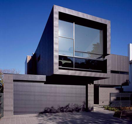 Imagenes de imponente casa negra prefabricada con estilo minimalista