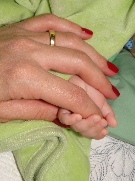 Mãozinha de mamãe e bebê