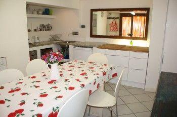 Gargnano, Town House to rent Ferienhaus Gardasee Gargnano - Parterre: Küche mit Esstisch für 6 Personen
