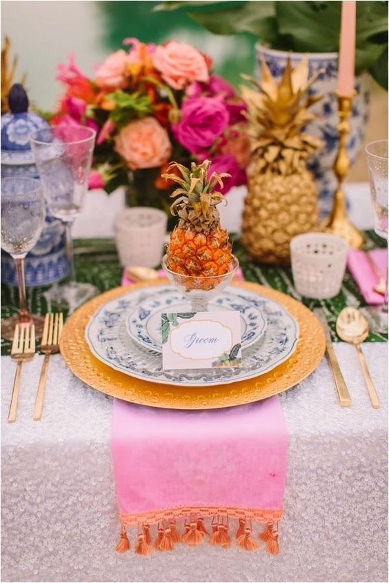 Caribbean style wedding: It's all about bright colors.: