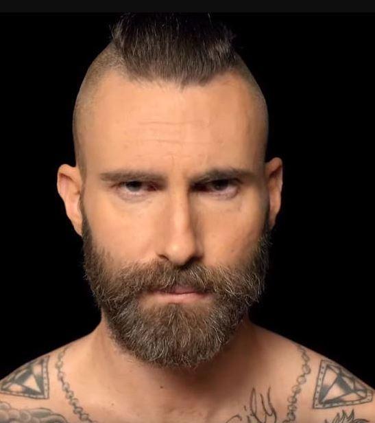 Letra Y Vídeo De La Canción En Inglés Memories De Maroon 5 Adam Levine Beard Maroon 5 Adam Levine Haircut