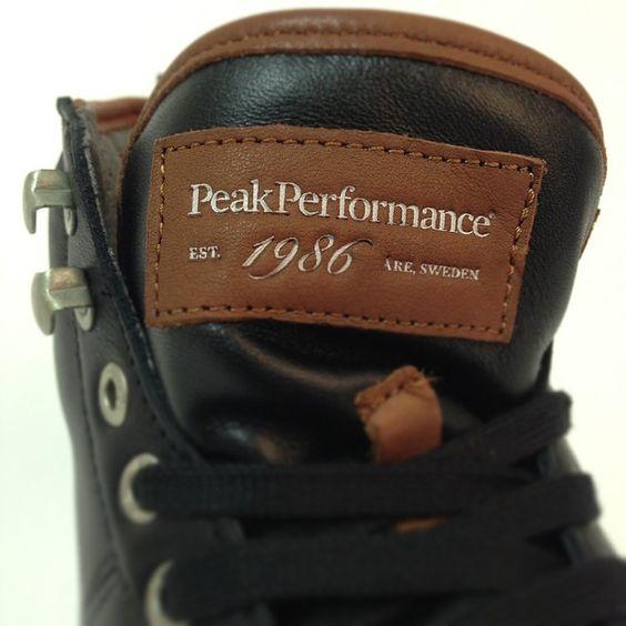 Massor av nya snygga skor från Peak Performance! I butik nu och online i morgon! #peakperformance