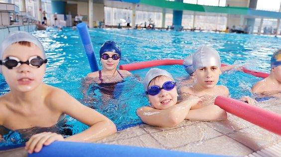 The best swimming lessons for kids in New York City