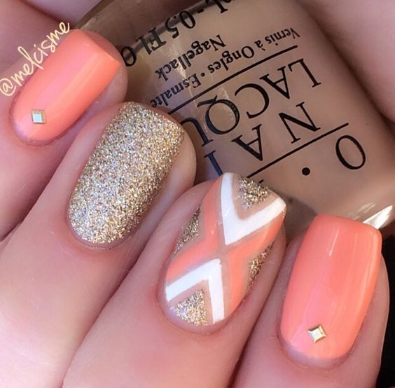 Peachy gold tape mani by Instagram user melcisme