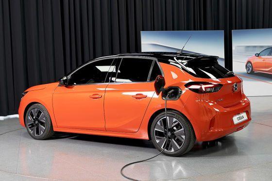 Opel Corsa E 2019 Electric Interior Concept Price Opc Market Launch The Corsa Becomes Opel Corsa Opel Electricity