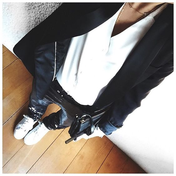 Jacket #maje • Shirt #harpeparis • Pant @leschatsperches • Shoes #adidas • Bag #celine