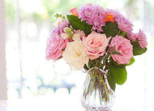 Tips Para Conservar El Ramo De Flores Aunque No Lo Creas Las Flores Naturales Son Perfectas Para Embelle Arreglos De Flores De Verano Flores Frescas Flores