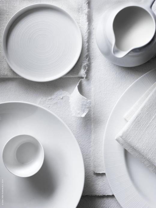 白一色の食器のモノクロ・白黒写真の壁紙
