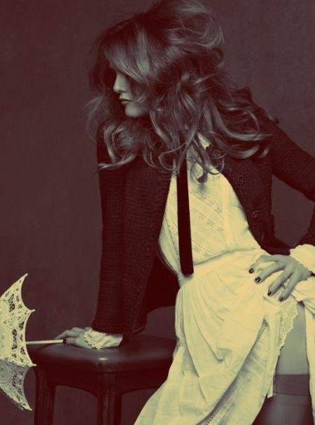 Vanessa Paradies in Chanel