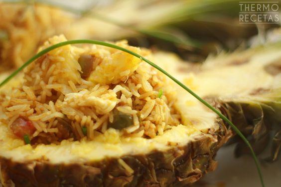Thermomix. Arroz thai con piña.Un plato elegante, exótico, equilibrado, sano y realmente delicioso. Es un arroz asiático acompañado con piña ideal para empezar el año tras las navidades.