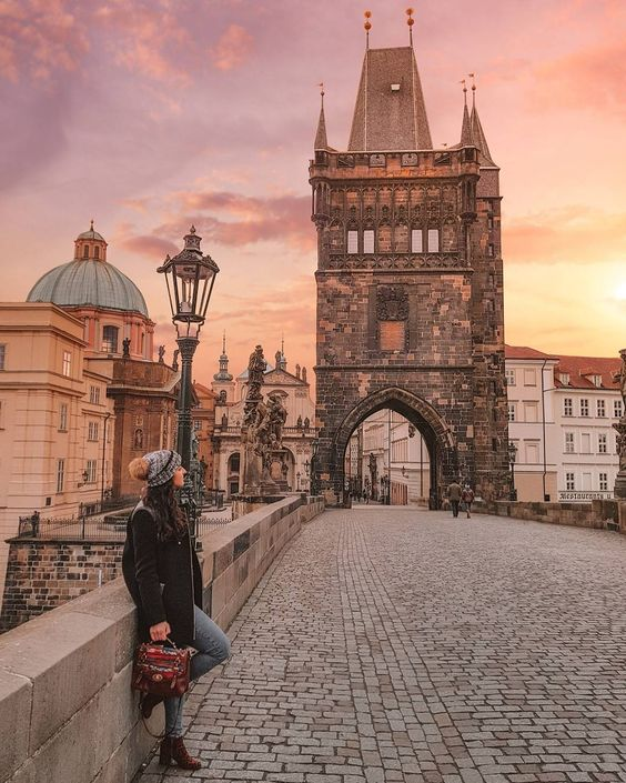 On this article you will find the top places to visit and instagram if you are travelling to Prague for the first time.