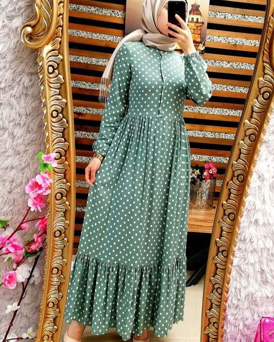 Genc Kadinlar Icin Tesettur Elbise Modelleri Kadinev Com Puantiyeli Elbise Musluman Elbisesi Elbise Modelleri