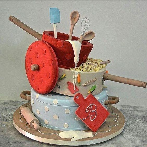 #mulpix Bolo lindo para chá de panela!!! 💑💑💑💑 Foto do IG @docedeleiteeventos e bolo @sonhomeuchocolates   #bolo  #chadepanela  #chadecozinha  #bridalshower  #bolodechadepanela:
