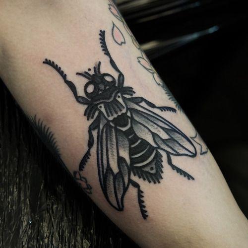 15 Intriguing Fly Tattoos