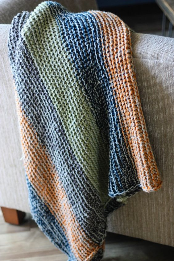 Free Knitting Patterns For Blankets And Throws : Maglia gratis, Plaid and Motivi per lavoro a maglia on Pinterest