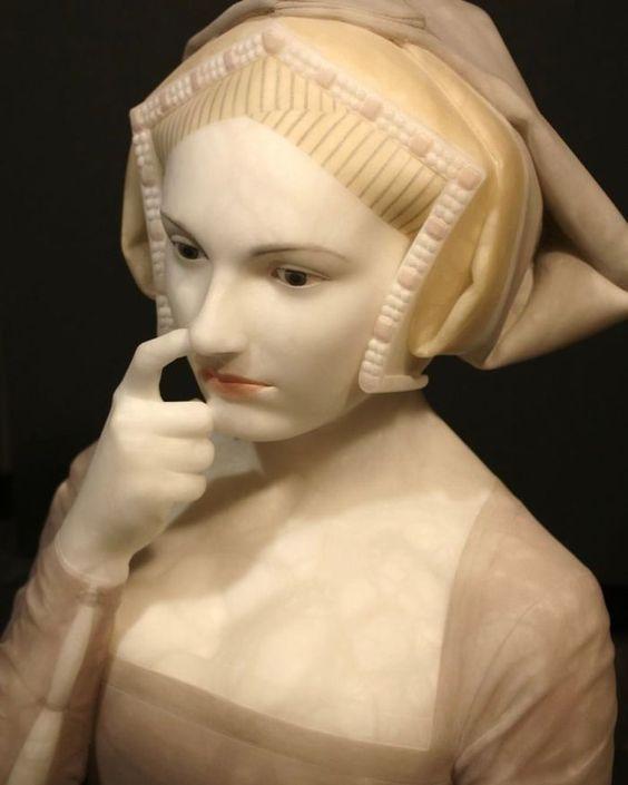 Renaissance sculptures with modern behavior