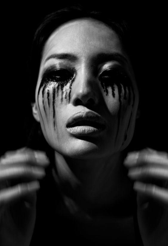 Ayaka K in tears new work Photo Tal Shpantzer Size 60 x 40