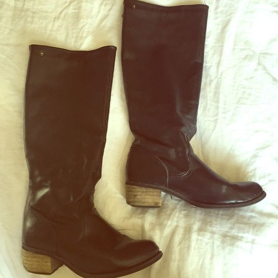 Black boots Black boots small heel. Shoes Heeled Boots