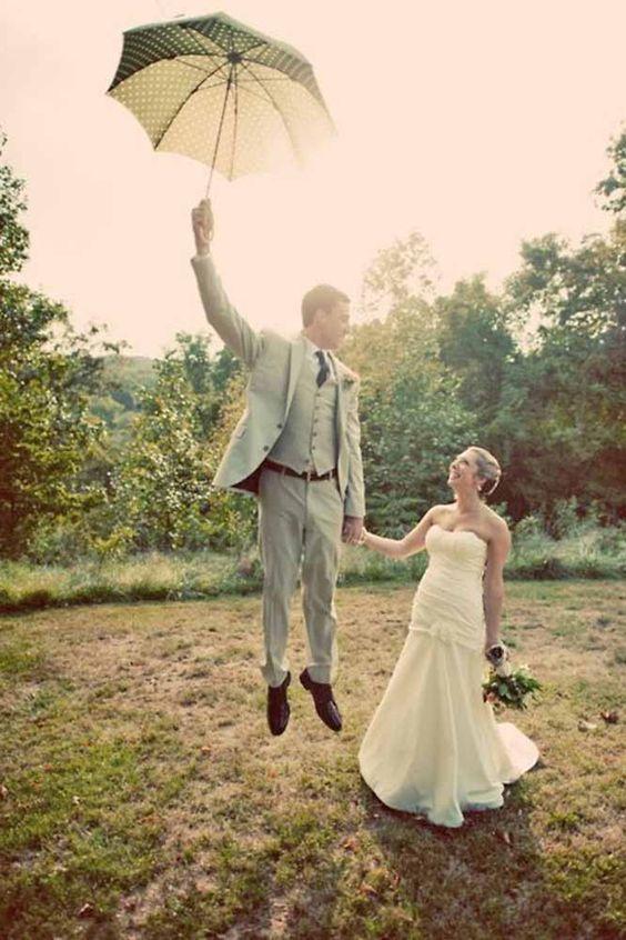21 Creative Wedding Photo Ideas And Poses ❤ See more: http://www.weddingforward.com/creative-wedding-photo-ideas-poses/ #wedding #bride
