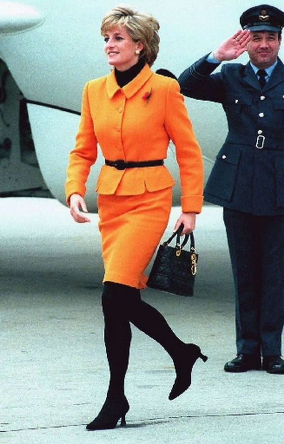 November 7, 1995: Princess Diana arrives at the Liverpool Women's Hospital opening in Toxteth, Liverpool. Liverpool.