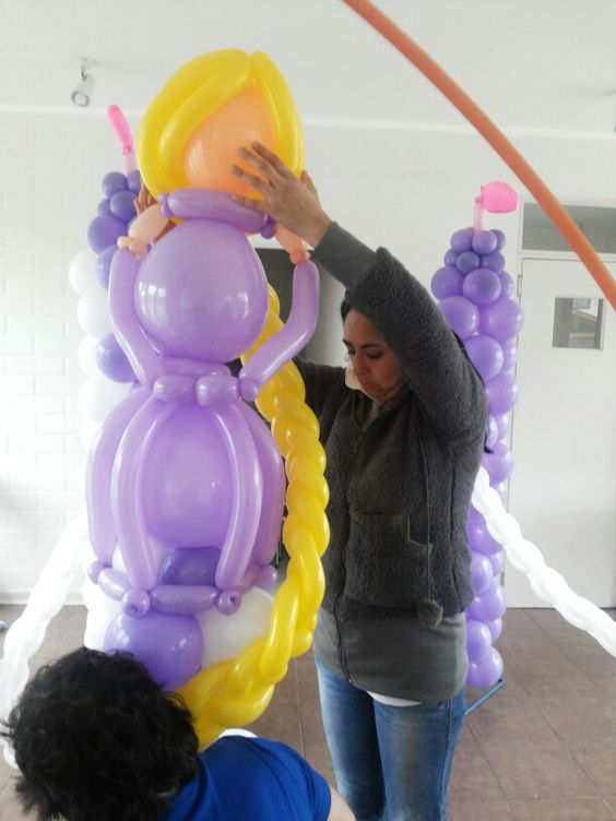 Working balloons tangled