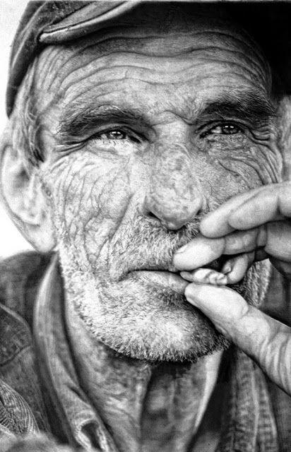 ROSTROS DE HOMBRES PINTADOS A MANO CON LAPIZ No son Fotos, son elaborados dibujos de rostros masculinos a lápiz sobre papel Retratista a Lápiz: Paul Cadden CARAS DE HOMBRES DEL COMUN / RETRATOS EN BLANCO Y NEGRO Retratos de Hombres Mayores ROSTROS DE HOMBRES VIEJOS O ANCIANOS Rostros y realismo dibujos a carboncillo PINTORES DE ROSTROS RETRATISTAS