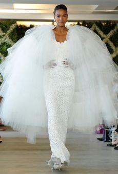 Oscar de la Renta wedding gown (removable cape)
