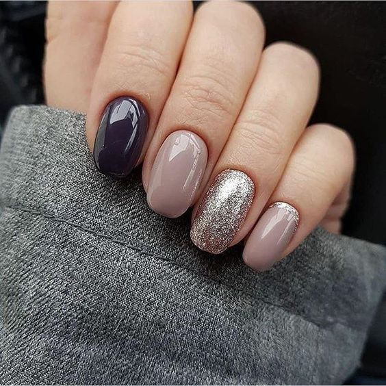 Black mauve and glitter on nails