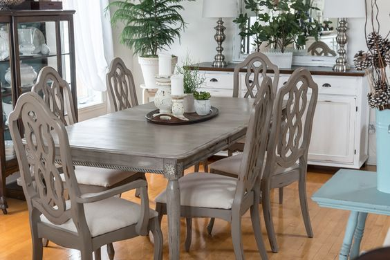Orphans With MakeUp (Dining Set