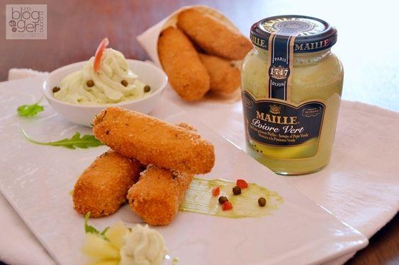 Bastoncini croccanti di salmone con senape al pepe verde, un secondo di pesce sfizioso ideale anche come antipasto o fingerfood, con mousse alla senape.