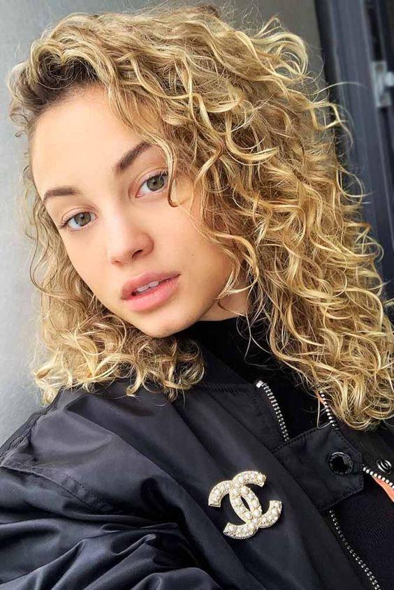 Breathtaking Medium Length Haircut For Caramel Curly Hair Spiral Perm Medium Thin Hair Permed Hairstyles