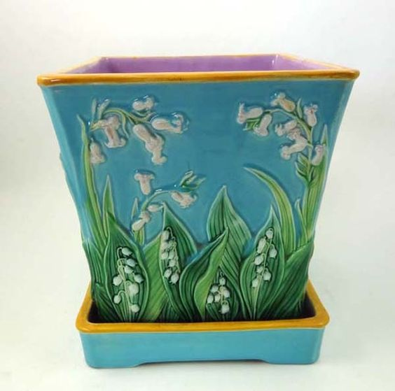 A magnificent George Jones majolica jardinière and stand