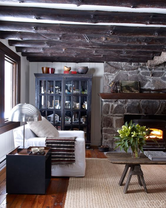 Modern pastoral inside a calvin klein home exec 39 s cabin for Amy bradford elle decoration