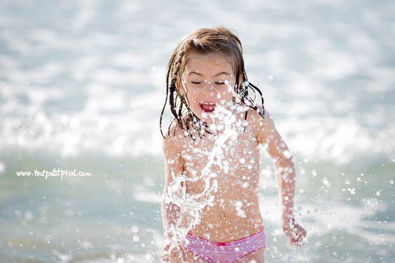 Enjoying the sea - Lifestyle kids photographer - www.toutpetitpixel.com