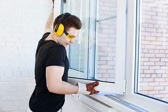 Efficient Window Repairs Brings Home Security and Saves Energy