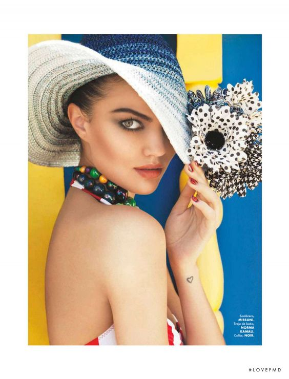 Tropical in Elle Mexico with Barbara Fialho