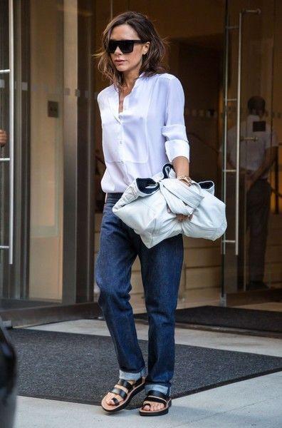 Victoria Beckham Photos Photos - Designer Victoria Beckham is seen leaving her…